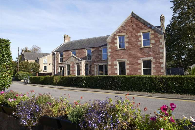 2 Bedrooms Apartment Flat for sale in Slioch House - Apartment 1, Castle Street, Dingwall, IV15