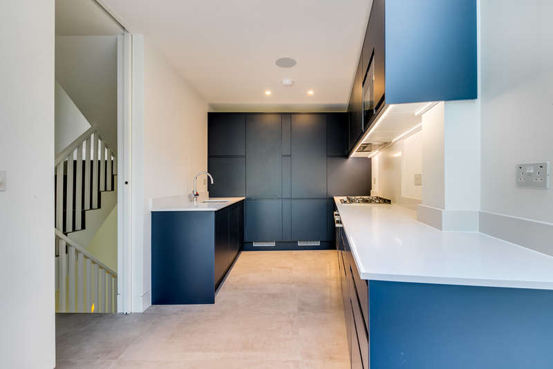 4 Bedrooms End Of Terrace House for sale in Barnsbury Terrace, N1 1JH