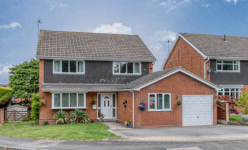 4 Bedrooms Detached House for sale in Avenue Road, Astwood Bank, Redditch, B96 6AT