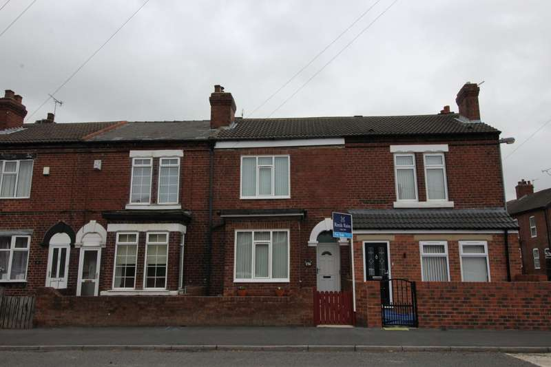 3 Bedrooms House for sale in Featherstone Lane, Featherstone, Pontefract, West Yorkshire, WF7