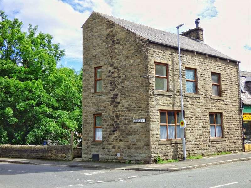 3 Bedrooms End Of Terrace House for sale in Burnley Road East, Waterfoot, Rossendale, BB4