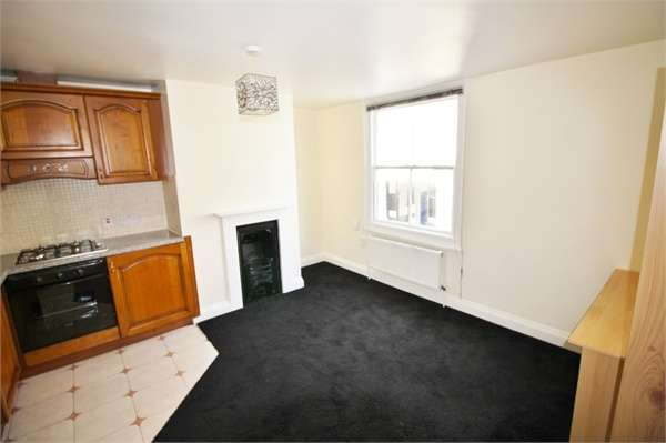 1 Bedroom Flat for rent in Sun Street, WALTHAM ABBEY, Essex