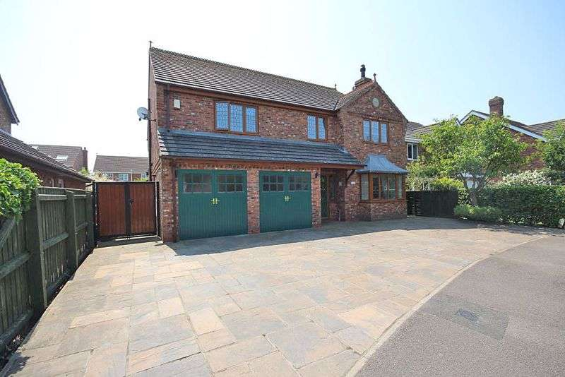 4 Bedrooms Property for sale in CHELTENHAM WAY, CLEETHORPES