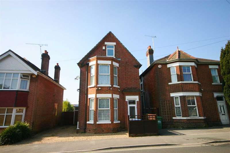 4 Bedrooms Detached House for sale in Bullar Road, Southampton