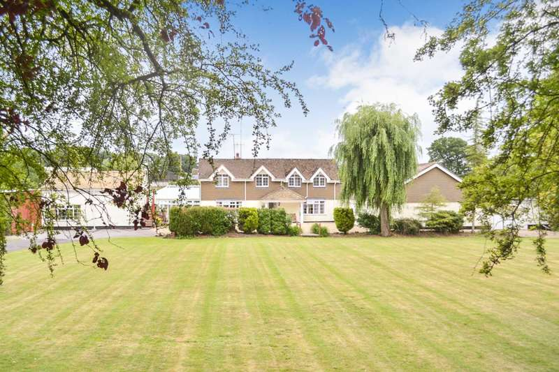 5 Bedrooms Detached House for sale in Braydon Road, Braydon, Wiltshire