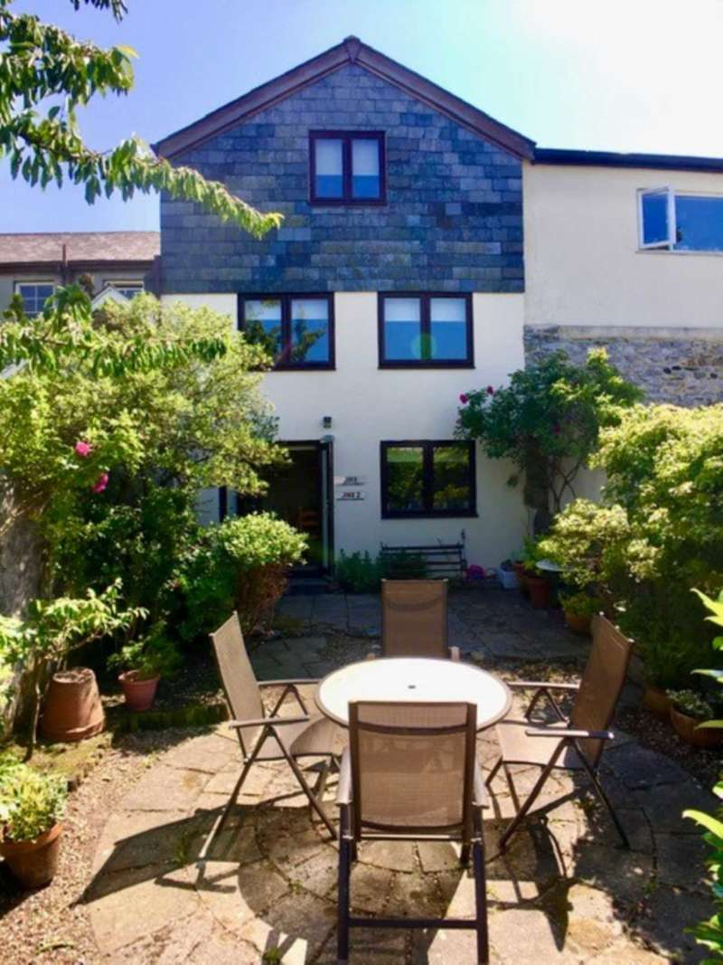 3 Bedrooms Town House for sale in Chapel Street, Buckfastleigh