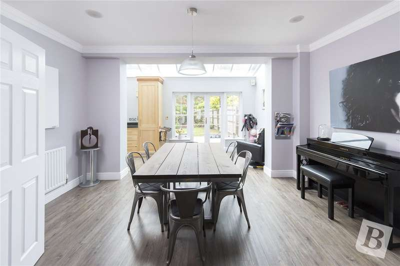 5 Bedrooms Terraced House for sale in Rhapsody Crescent, Warley, Brentwood, Essex, CM14