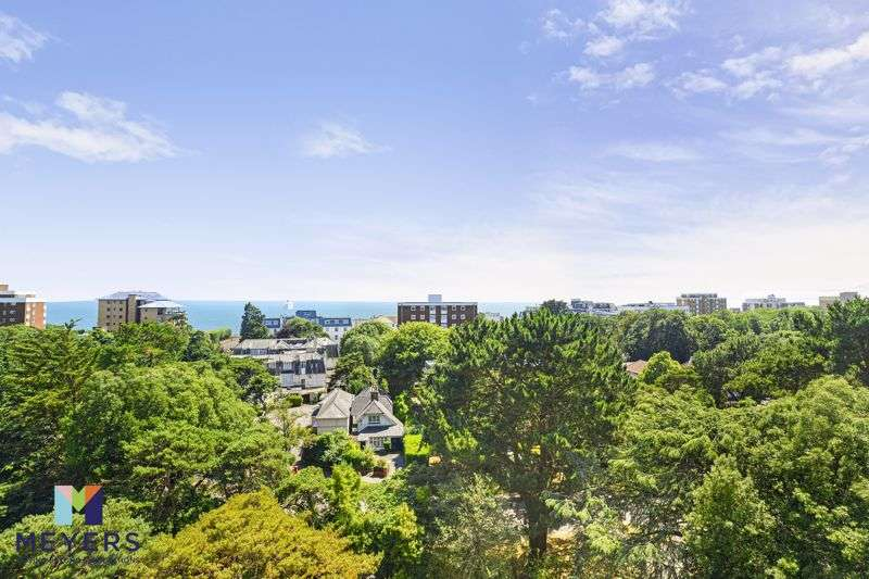 2 Bedrooms Property for sale in Roslin Hall, 6 Manor Road, Bournemouth, BH1