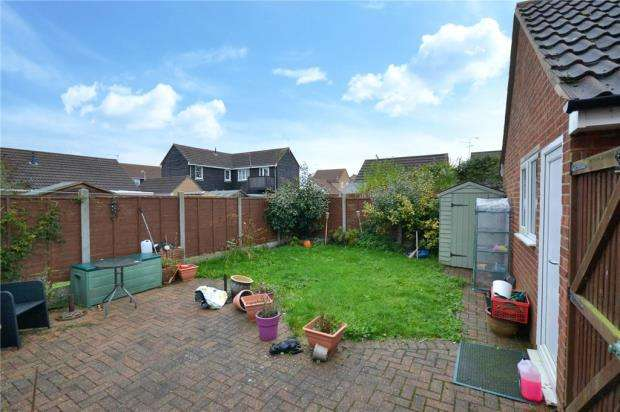 2 Bedrooms Semi Detached House for sale in Hyacinth Close, Clacton-On-Sea