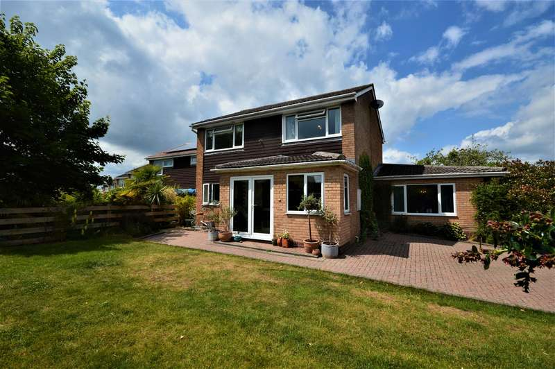 4 Bedrooms Detached House for sale in Broxash Close, Bromyard, Herefordshire