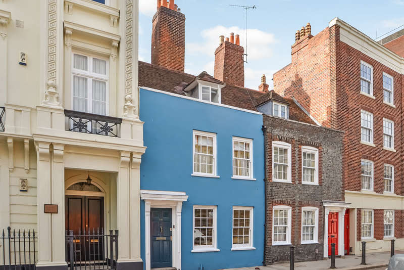 3 Bedrooms Terraced House for sale in Old Portsmouth, Hampshire