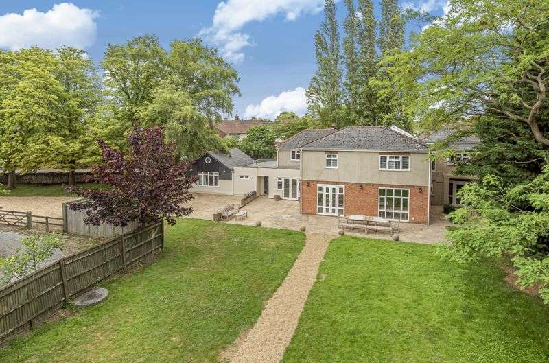 7 Bedrooms Property for sale in High Street, Sutton Courtenay