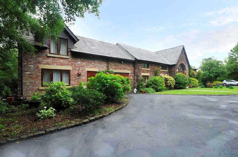 5 Bedrooms Barn Conversion Character Property for sale in Hillfoot Stables, Mill Lane, Rainford, St Helens, WA11