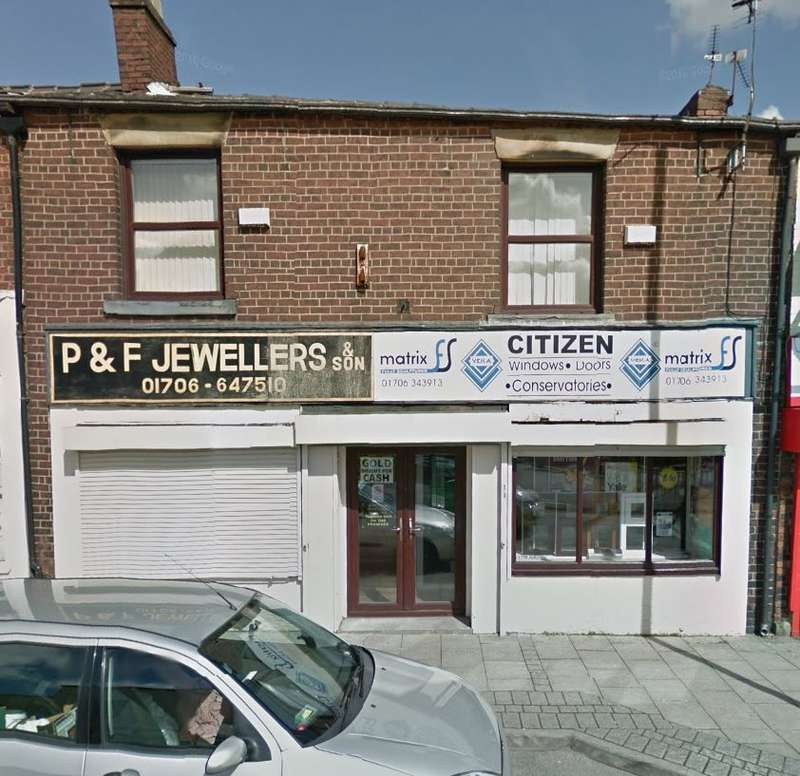Shop Commercial for rent in Oldham Road, Rochdale