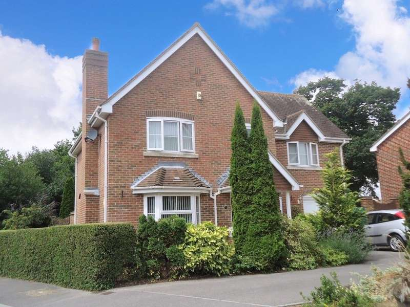 4 Bedrooms Detached House for sale in Nursery Road, Havant, Hampshire, PO9