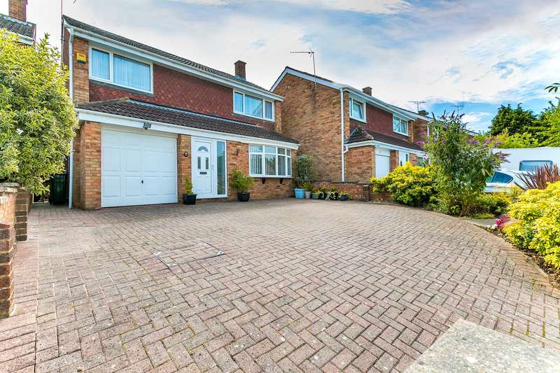 4 Bedrooms Detached House for sale in Banburies Close, Bletchley