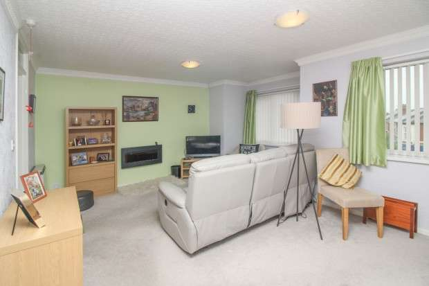 2 Bedrooms Apartment Flat for sale in Lawswood, Victoria Road East, Thornton Cleveleys, FY5