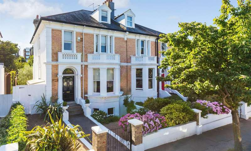 5 Bedrooms Semi Detached House for sale in Denmark Villas, Hove