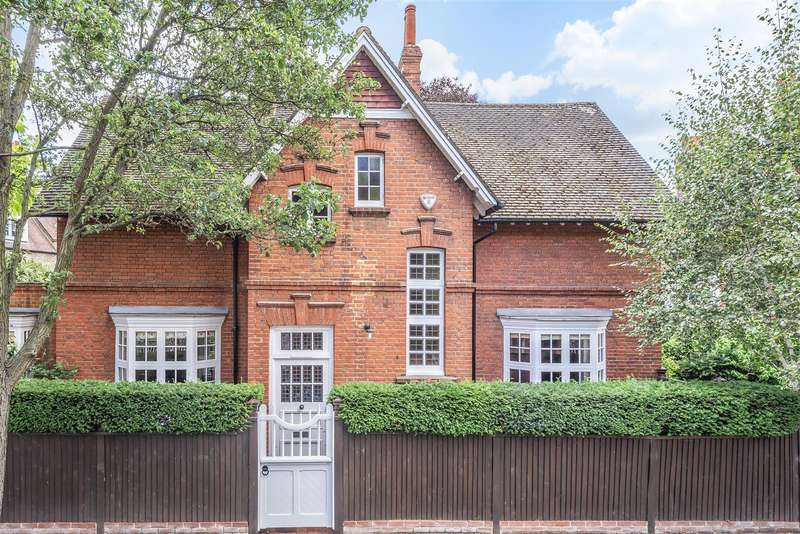 3 Bedrooms Detached House for sale in Blenheim Road, London, W4