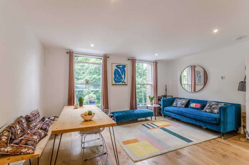 3 Bedrooms Flat for sale in Lough Road, Islington, N7
