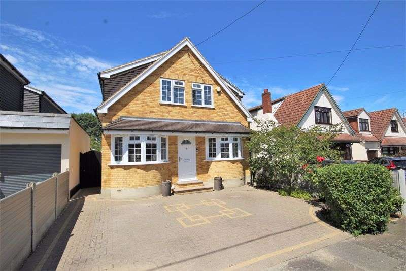 4 Bedrooms Property for sale in Sunray Avenue, Brentwood