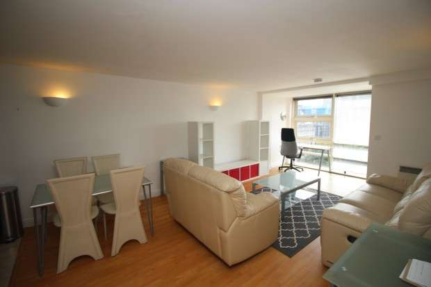 2 Bedrooms Apartment Flat for sale in W3, Whitworth Street West, Manchester, M1