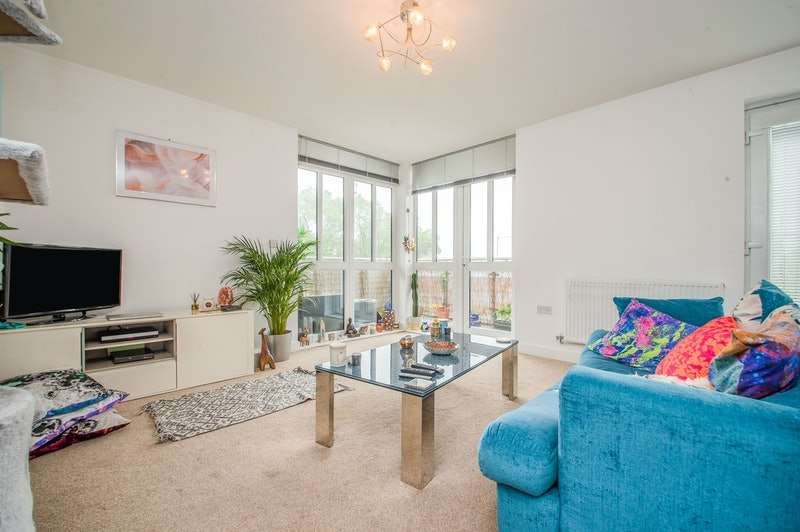 2 Bedrooms Apartment Flat for sale in Lostock Lane, Bolton, Greater Manchester, BL6