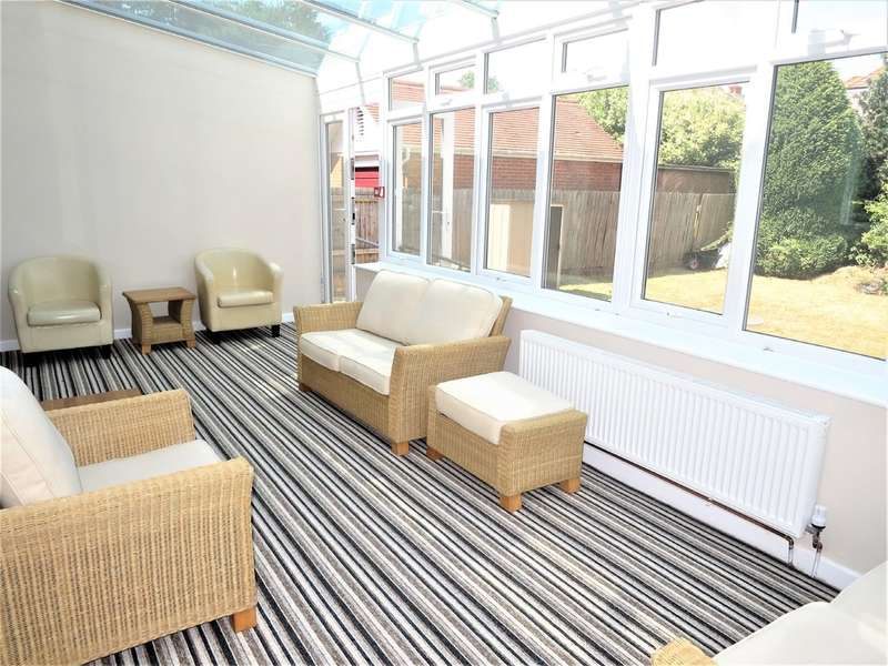8 Bedrooms Detached House for rent in Bryanstone Road