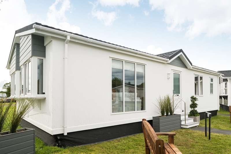 2 Bedrooms Mobile Home for sale in Eastern Green, Penzance