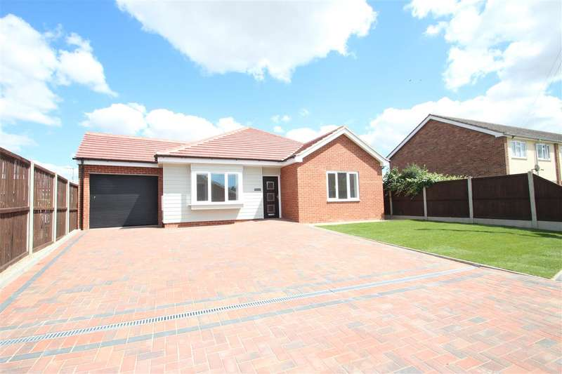 3 Bedrooms Bungalow for sale in The Laurels, Woodlands Rise, Weeley