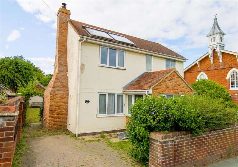 4 Bedrooms Detached House for sale in Pilgrims House, Heath Road, Bradfield, Manningtree, Colchester