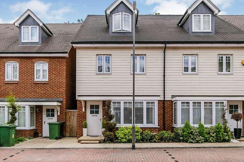 4 Bedrooms Semi Detached House for sale in Elham Crescent, Dartford, Kent, DA2