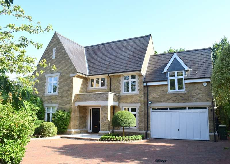 5 Bedrooms Detached House for sale in Manor House Drive, Burwood Park, Walton on Thames, KT12