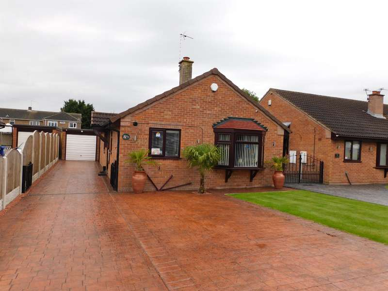 3 Bedrooms Detached House for sale in Summerfields Drive, Blaxton, Doncaster, DN9 3BG
