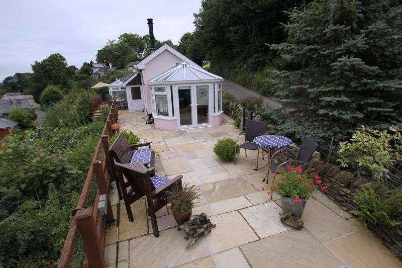 2 Bedrooms Property for sale in School Lane, Lerryn
