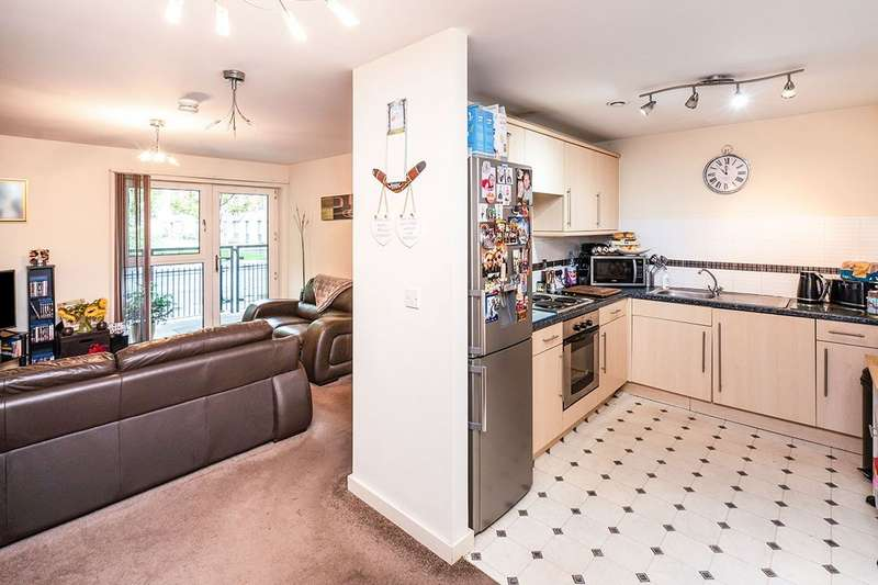 2 Bedrooms Apartment Flat for sale in Tomlinson Street, Hulme, Manchester, Greater Manchester, M15