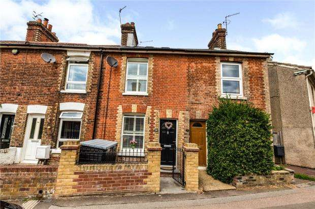 3 Bedrooms Terraced House for sale in Barden Road, Tonbridge, Kent