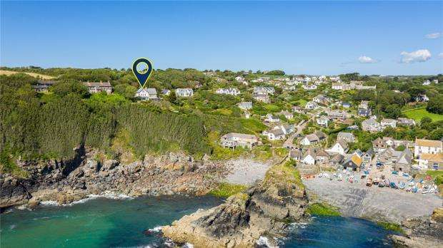 4 Bedrooms Semi Detached House for sale in Cadgwith, Ruan Minor, Helston, Cornwall