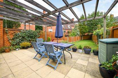 4 Bedrooms Terraced House for sale in Warley, Brentwood, Essex