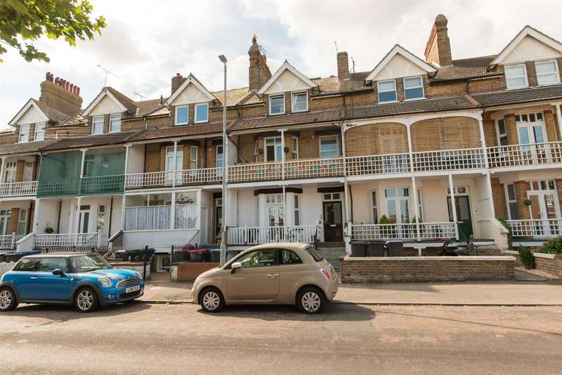 1 Bedroom Flat for sale in Cuthbert Road, Westgate-On-Sea