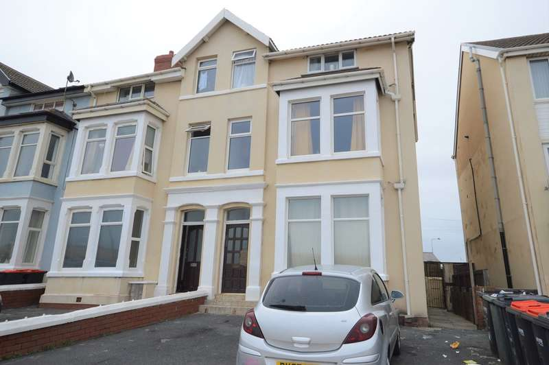 7 Bedrooms Semi Detached House for sale in North Promenade, Thornton-Cleveleys