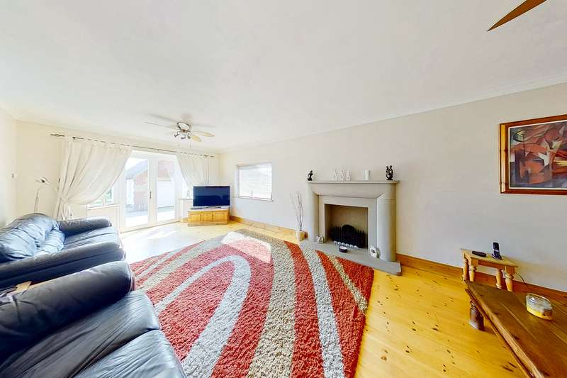 5 Bedrooms Chalet House for sale in South Street, Whitstable