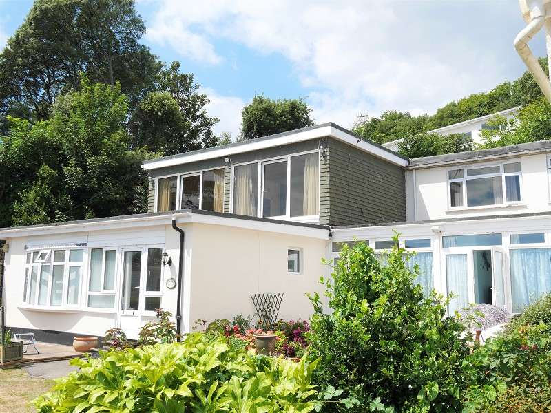 4 Bedrooms Apartment Flat for sale in Shore Road, Bonchurch, Ventnor, Isle Of Wight. PO38 1RH