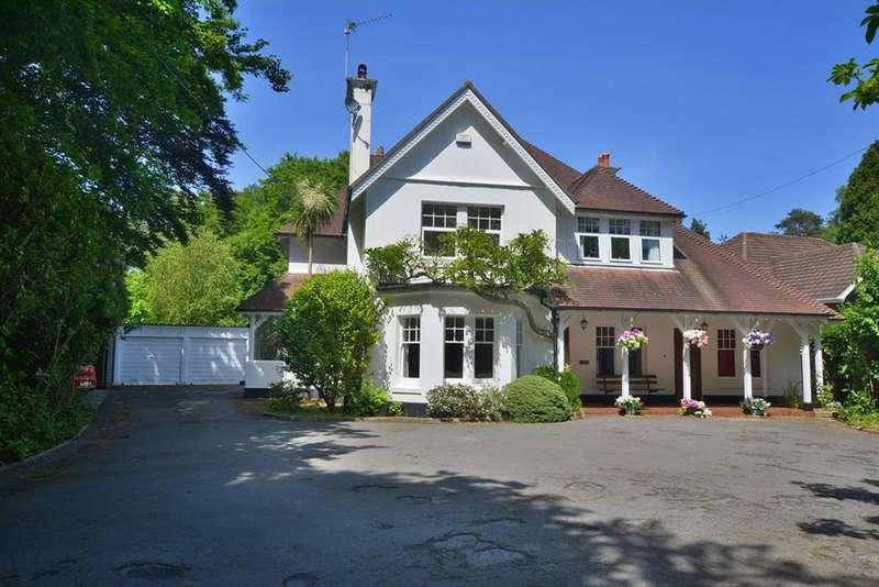 5 Bedrooms Detached House for sale in Moorside Road, West Moors