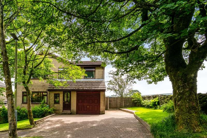 5 Bedrooms Detached House for sale in Maden Road, Bacup, Lancashire, OL13