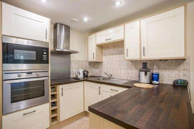 1 Bedroom Retirement Property for sale in Clarkson Court, Ipswich Road, Woodbridge