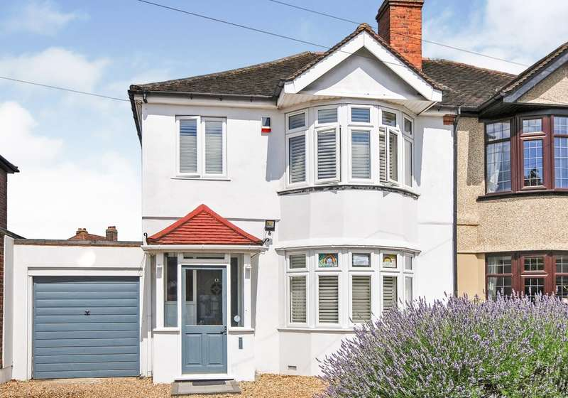 3 Bedrooms Semi Detached House for sale in Montbelle Road, New Eltham/Chislehurst Borders