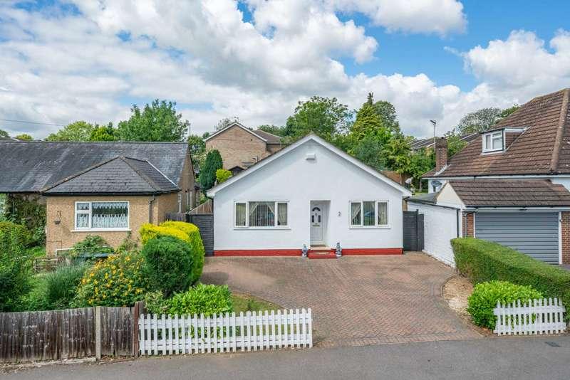 3 Bedrooms Detached Bungalow for sale in Park Road, Hemel Hempstead