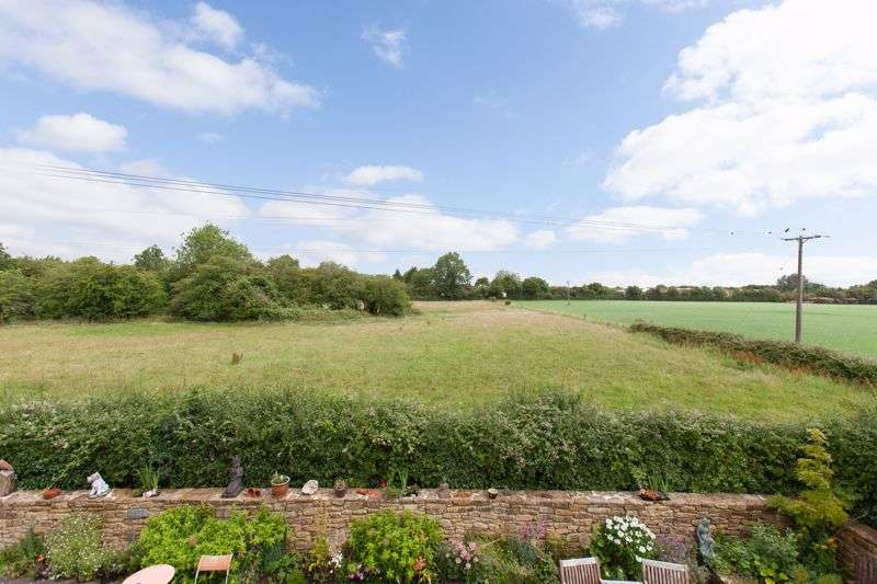 5 Bedrooms Property for sale in Greenhill Neston, Corsham