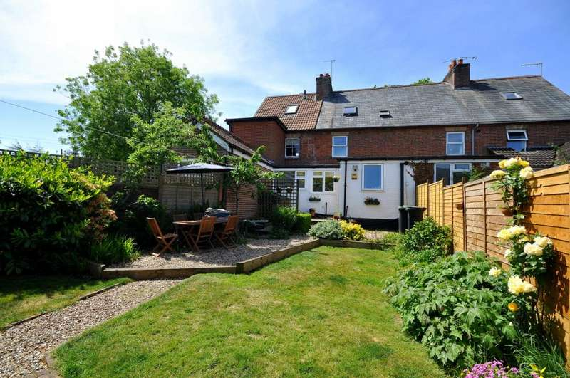 4 Bedrooms Terraced House for sale in Alderholt, Fordingbridge, SP6 3DF
